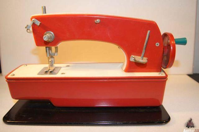 Детские швейные машинки.