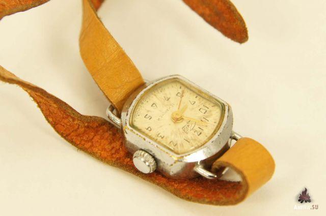 Серебряные часы с марказитом - Серебряные женские